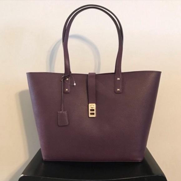 Michael Kors Handbags - New!! NWT Michael Kors Large Karson Carryall Tote